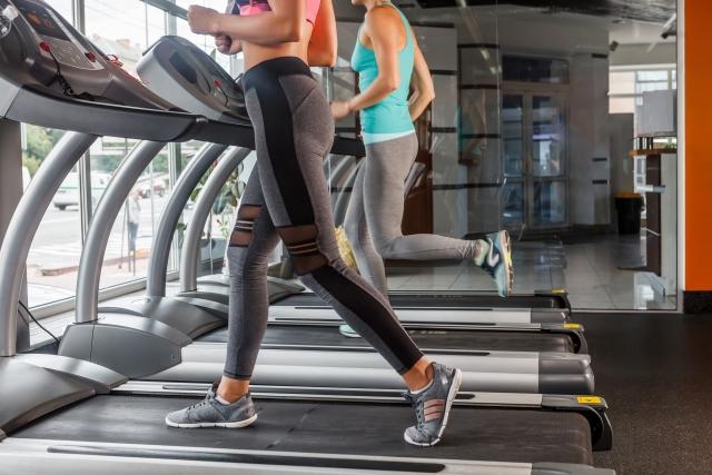 另外,因為是通過限制飲食來減肥肌肉便會減少,會變得難以燃燒脂肪而容易變胖。 所以好好做肌肉訓練和有氧運動,來打造難復胖體質吧。